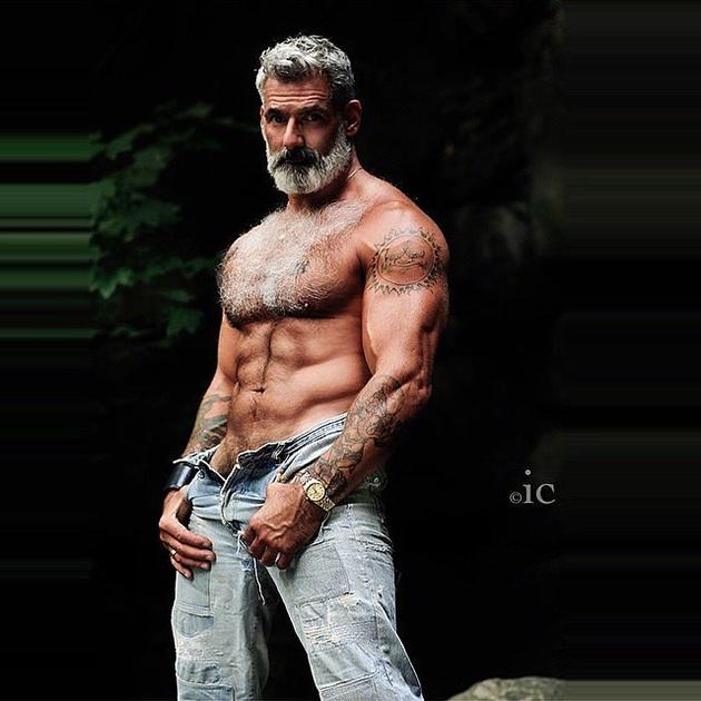 homme-cheveux-gris-9