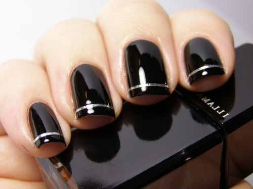 Black-nail-polish-with-silver.