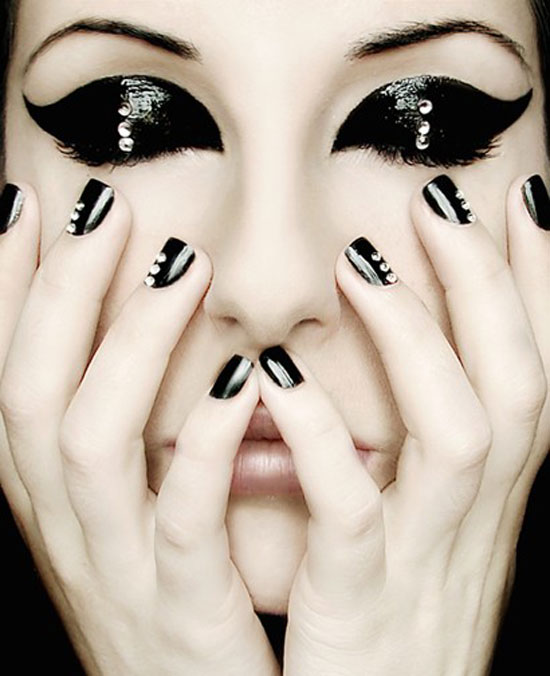Easy-Simple-Black-Nail-Art-Designs-.
