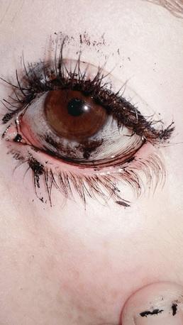 Abus Du Maquillage 4