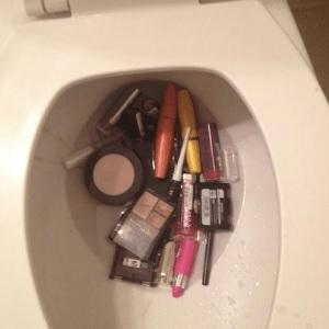 Abus Du Maquillage 9