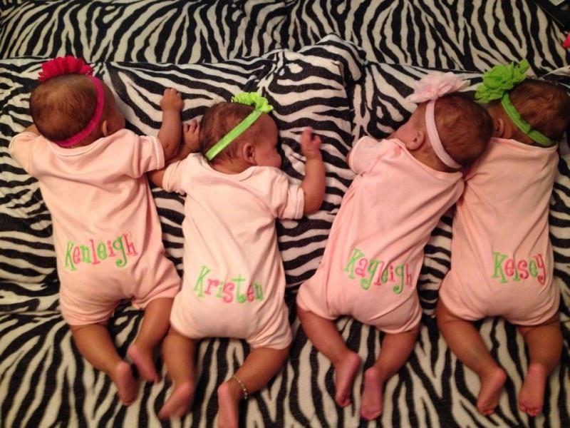 Cette-Maman-Attend-Des-Triplets-Mais-Quand-les-Docteurs-Ont-Dis-qu'il-Y-a-D-autres-Pieds-Tout-Le-Monde-Etait-Sous-Le-Choc-8