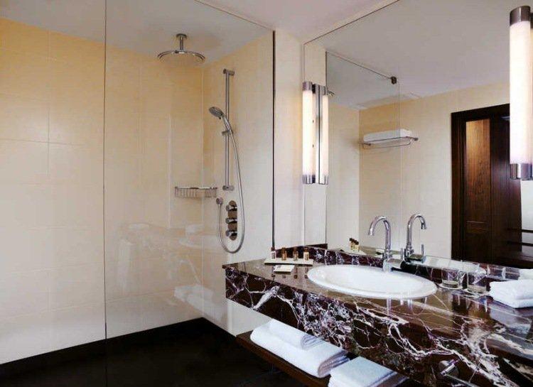 id es de douche l italienne pour une salle de bain pratique et fonctionnelle 9 astuces pour. Black Bedroom Furniture Sets. Home Design Ideas